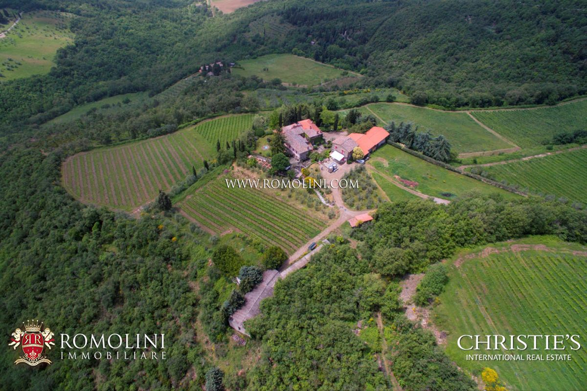 MULTI-AWARD WINNING WINERY CHIANTI CLASSICO 10 HECTARES OF VINEYARDS