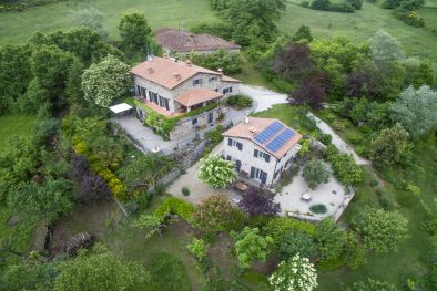 FARMHOUSE WITH OUTBUILDING FOR SALE TUSCANY CAPRESE MICHELANGELO