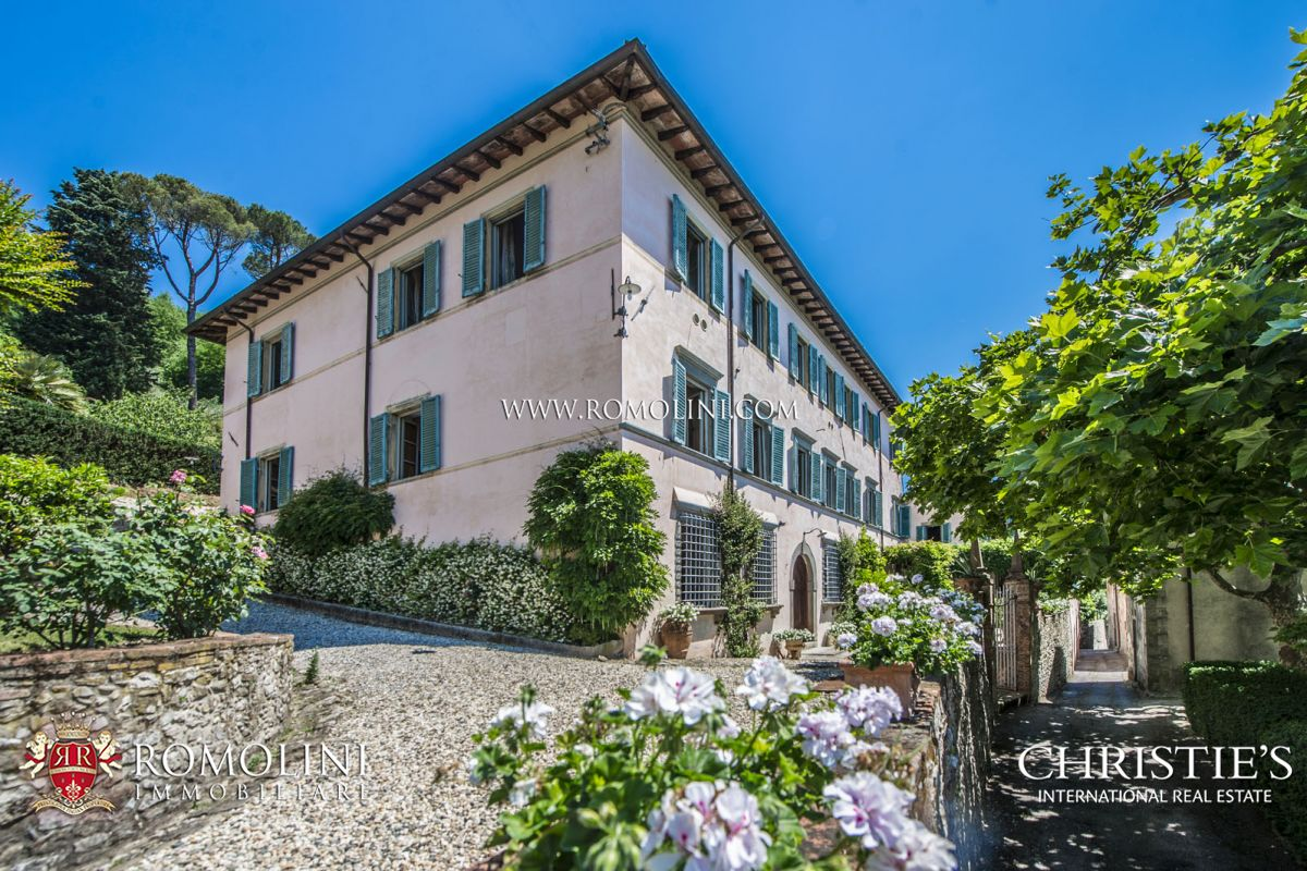 LUXURY HOTEL FOR SALE IN ITALY | Romolini com - Christie's