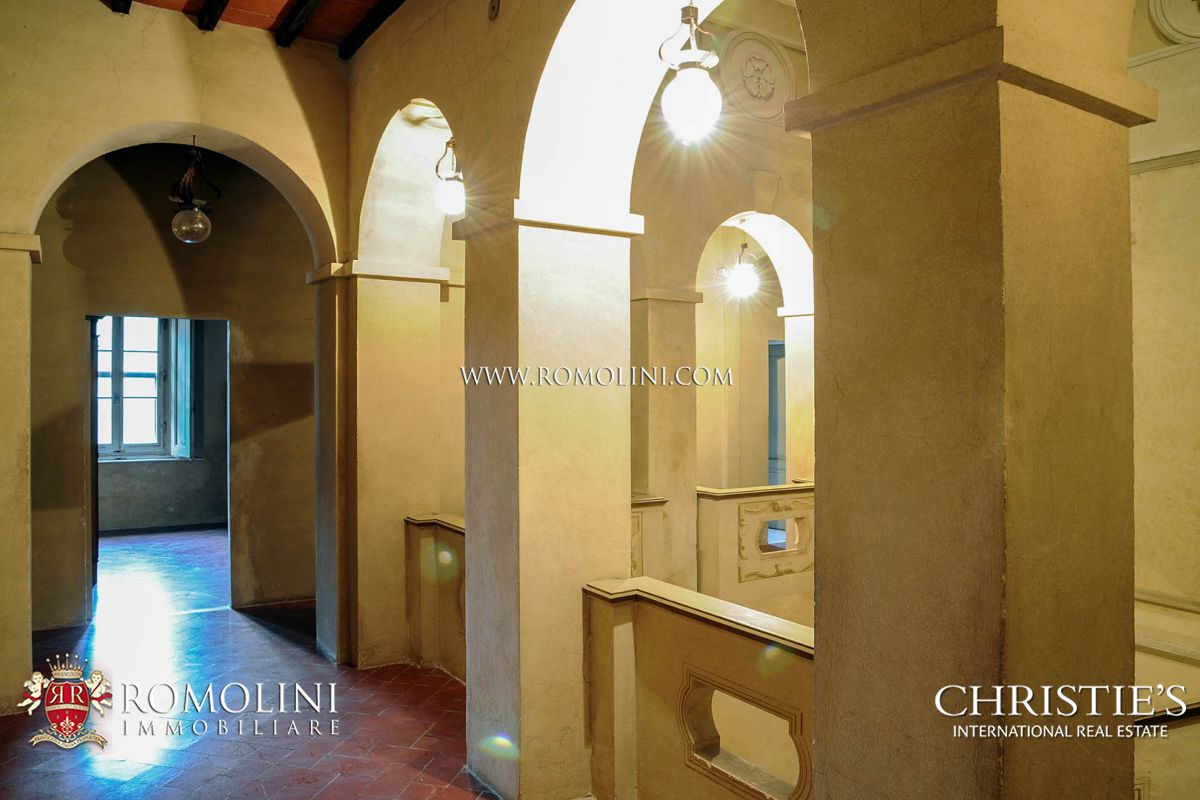 SIENA: HISTORIC ESTATE WITH MANOR HOUSE, CHURCH AND LAND FOR SALE