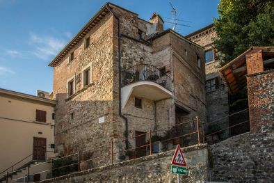 TOWN HOUSE WITH PANORAMIC VIEW FOR SALE, ANGHIARI  Maggiori Dettagli e Foto