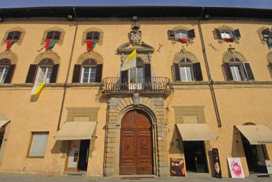 SANSEPOLCRO, TUSCANY: APARTMENT FOR SALE IN THE HISTORICAL CENTRE  Maggiori Dettagli e Foto