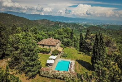 TYPICAL TUSCAN FARMHOUSE FOR SALE IN PANORAMIC POSITION, ANGHIARI  | Romolini - Christie's