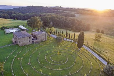 LUXURY RESTORED FARMHOUSE FOR SALE IN PIENZA, VAL D'ORCIA | Romolini - Christie's