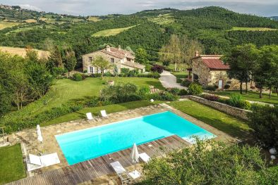 TODI, UMBRIA: TYPICAL FARMHOUSE WITH WELLNESS CENTRE FOR SALE  Maggiori Dettagli e Foto