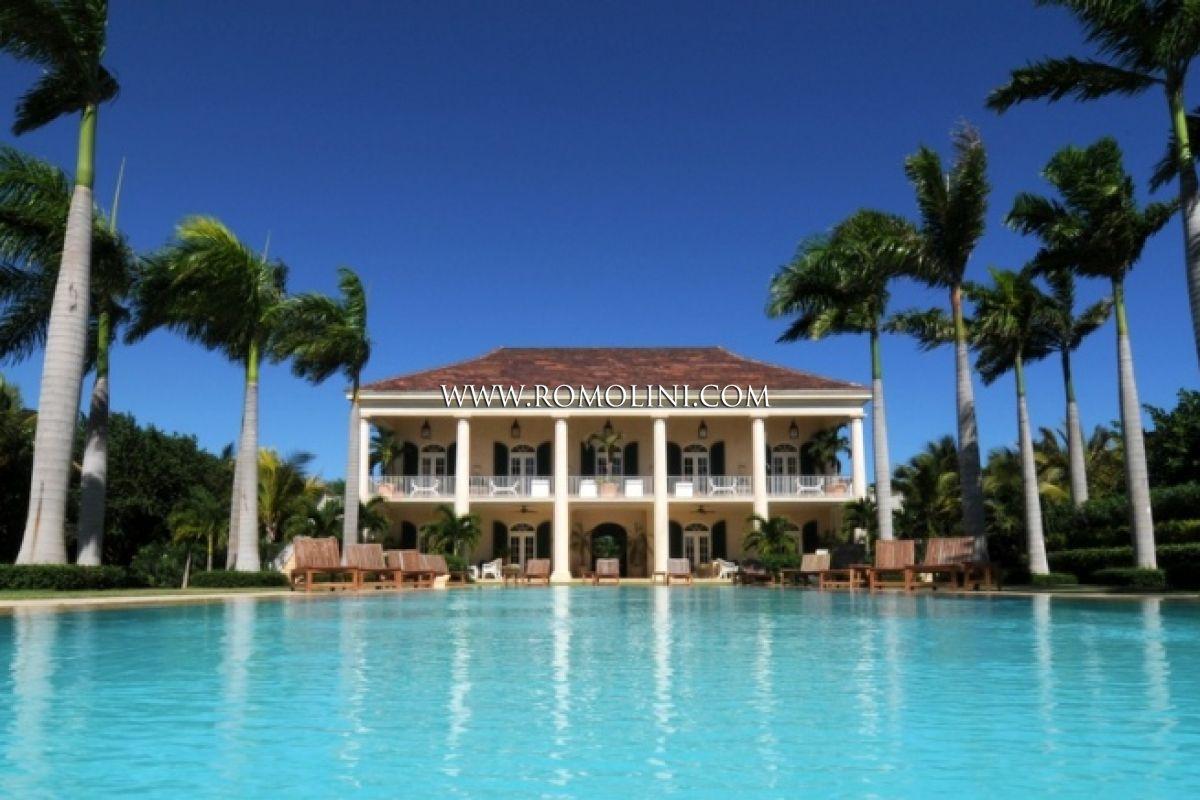 Villa for sale golf club dominican republic for Homes for sale dominican republic punta cana