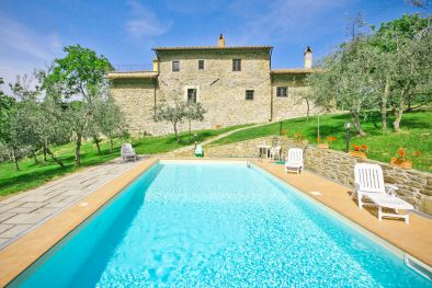 RESTORED FARMHOUSE FOR SALE ON THE CHIANTI HILLS, GREVE  Maggiori Dettagli e Foto