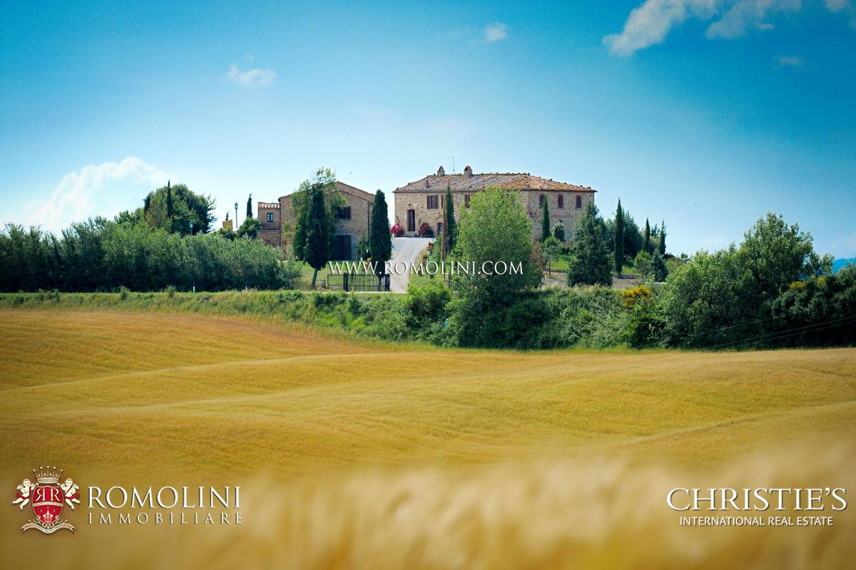 ESTATE AGRITURISMO FOR SALE MONTALCINO, TUSCANY, BRUNELLO | Romolini - Christie's