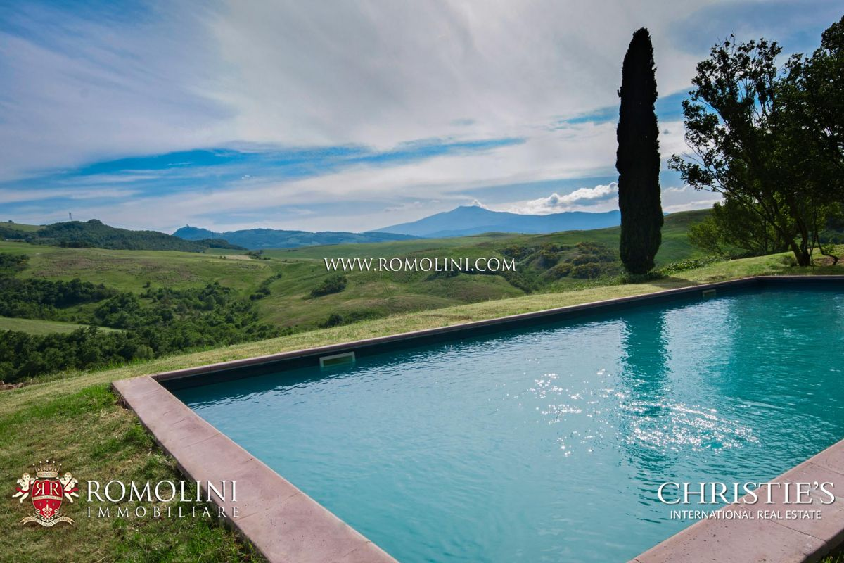 755-HA TUSCAN ESTATE WITH OLD ABBEY AND 11 FARMHOUSES FOR SALE IN SIENA | Romolini - Christie's