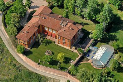 CASTELLO ASTI: CASTLE FOR SALE IN PIEDMONT.  CASTELLO DI LAVEZZOLE
