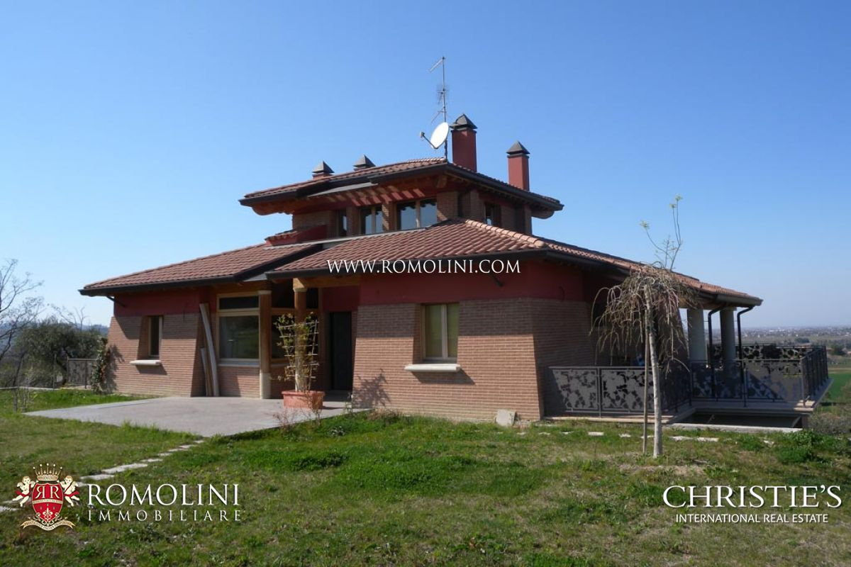 VILLA WITH FARM ESTATE FOR SALE IN RIMINI