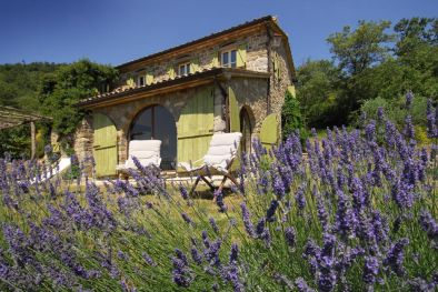 OLD STONE FARMHOUSE FOR SALE IN CORTONA NICCONE VALLEY