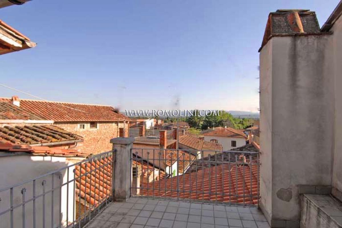APARTMENT WITH TERRACE FOR SALE IN SANSEPOLCRO