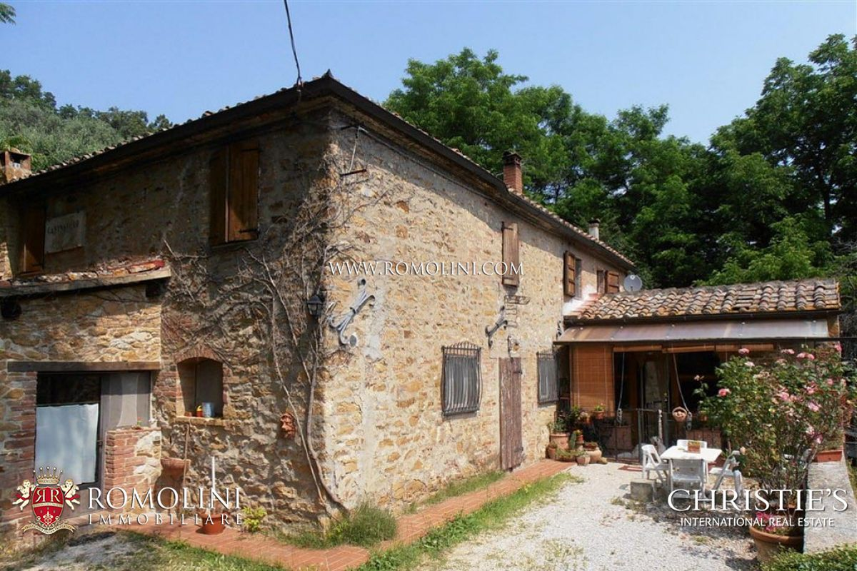 Old Brick And Stone Farmhouse For Sale In Siena