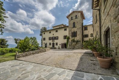 BORGO FOR SALE IN TUSCANY