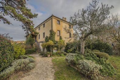 RELAIS BED AND BREAKFAST IN MONTEPULCIANO, ORGANIC FARM FOR SALE
