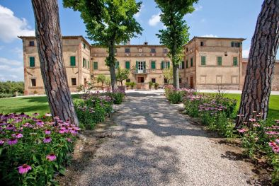 WINE ESTATE WITH LUXURY VILLA, VINEYARDS FOR SALE SIENA, TUSCANY