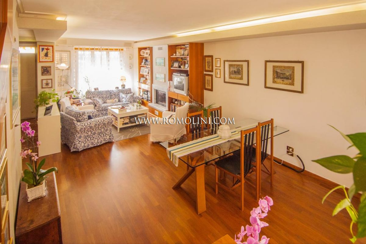 Sansepolcro apartment with garden and garage for sale in for Garage with apartment for sale