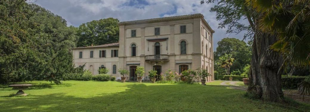 LUXURY VILLA FOR SALE IN SIENA, TUSCANY