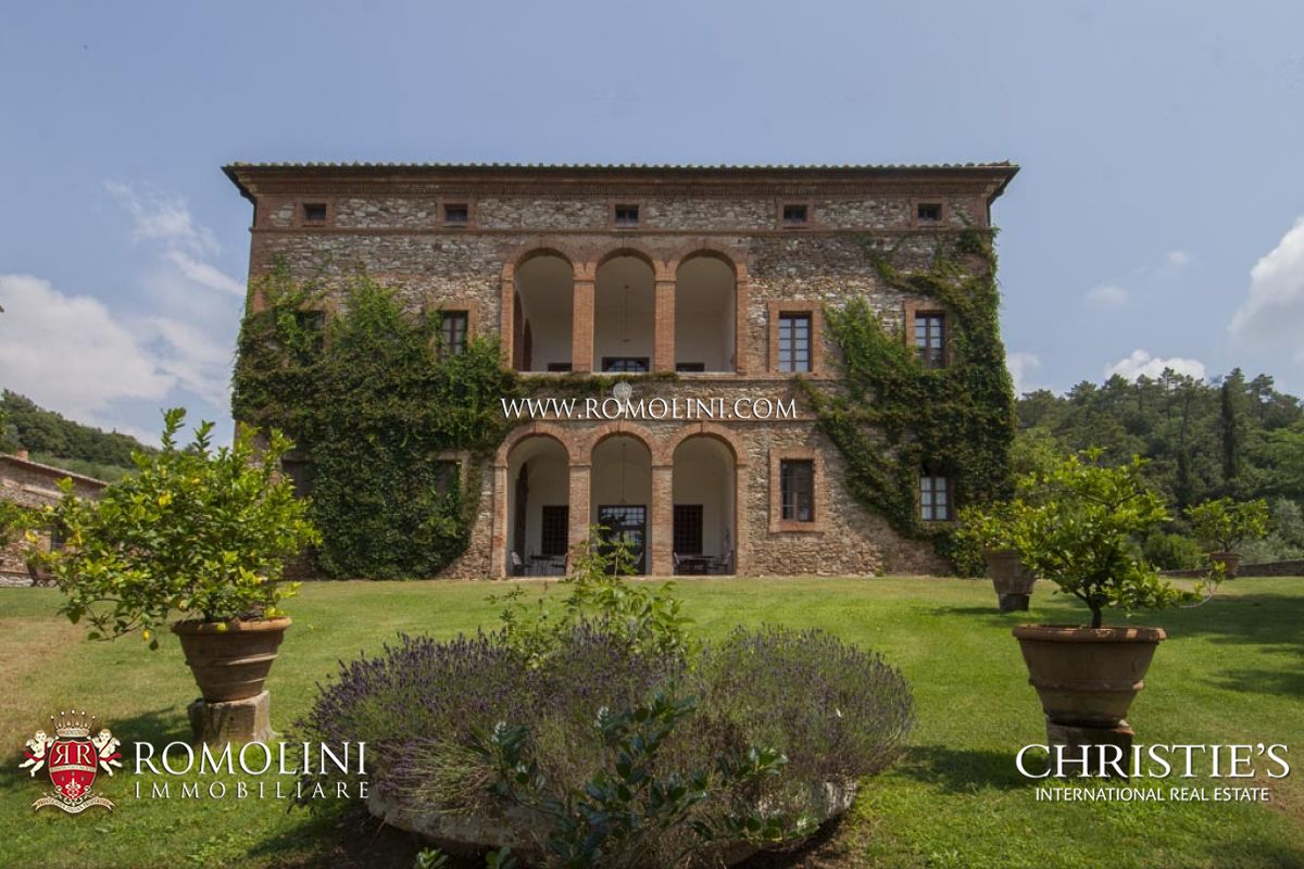 TUSCAN ESTATE WITH MANOR VILLA, 10 HA OF LAND, VINEYARDS,OLIVE GROVE FOR SALE IN ITALY, TUSCANY, SIENA