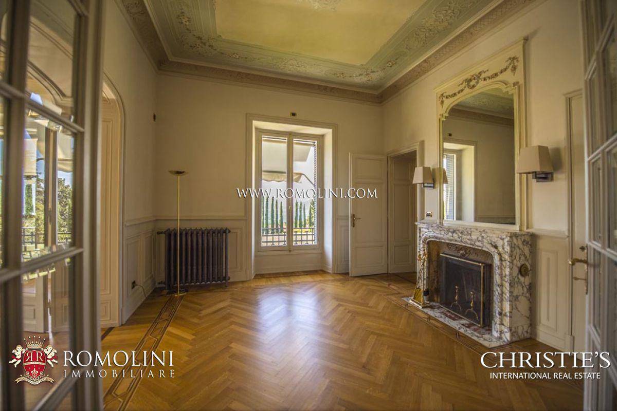 Villa lago maggiore luxury villa with lake view in luino for Moderni piani di fattoria rustica