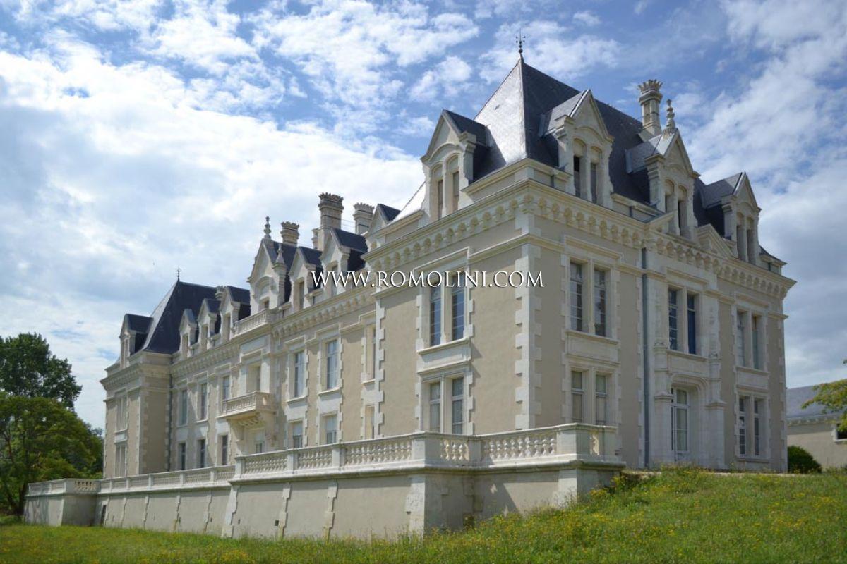 Hotel cognac france for Cognac hotel