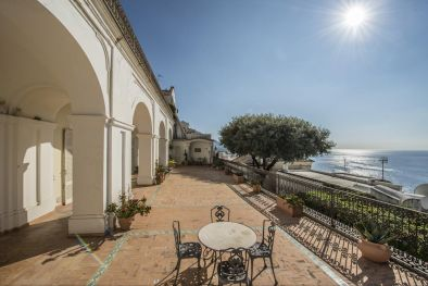 2-BEDROOM APARTMENT WITH GARAGE AND SEA VIEW TERRACE FOR SALE IN POSITANO, AMALFI COAST  Maggiori Dettagli e Foto