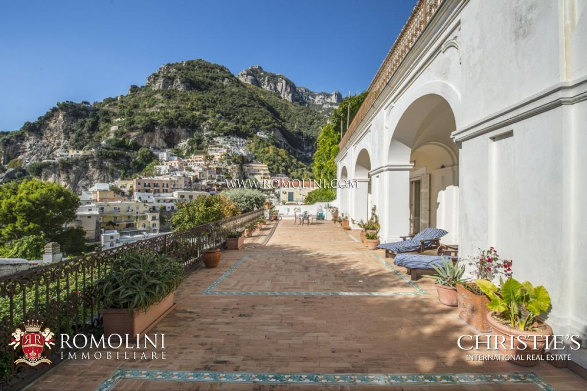 2 bedroom apartment with garage and sea view terrace for for Apartments amalfi