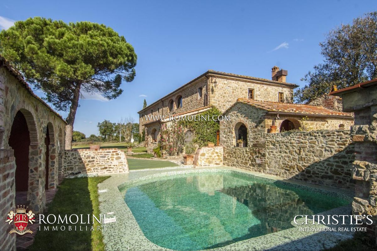 Tuscany luxury real estate tuscan properties for sale for Tuscan luxury homes
