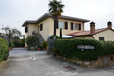 B&B LUCIGNANO: Bed and Breakfast for sale, Lucignano, Tuscany