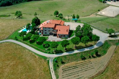220-hectare ORGANIC FARM, COUNTRY HOUSE FOR SALE | Casentino, Tuscany