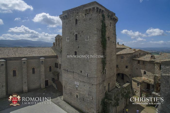 MEDIEVAL TOWER FOR SALE UMBRIA GUALDO CATTANEO