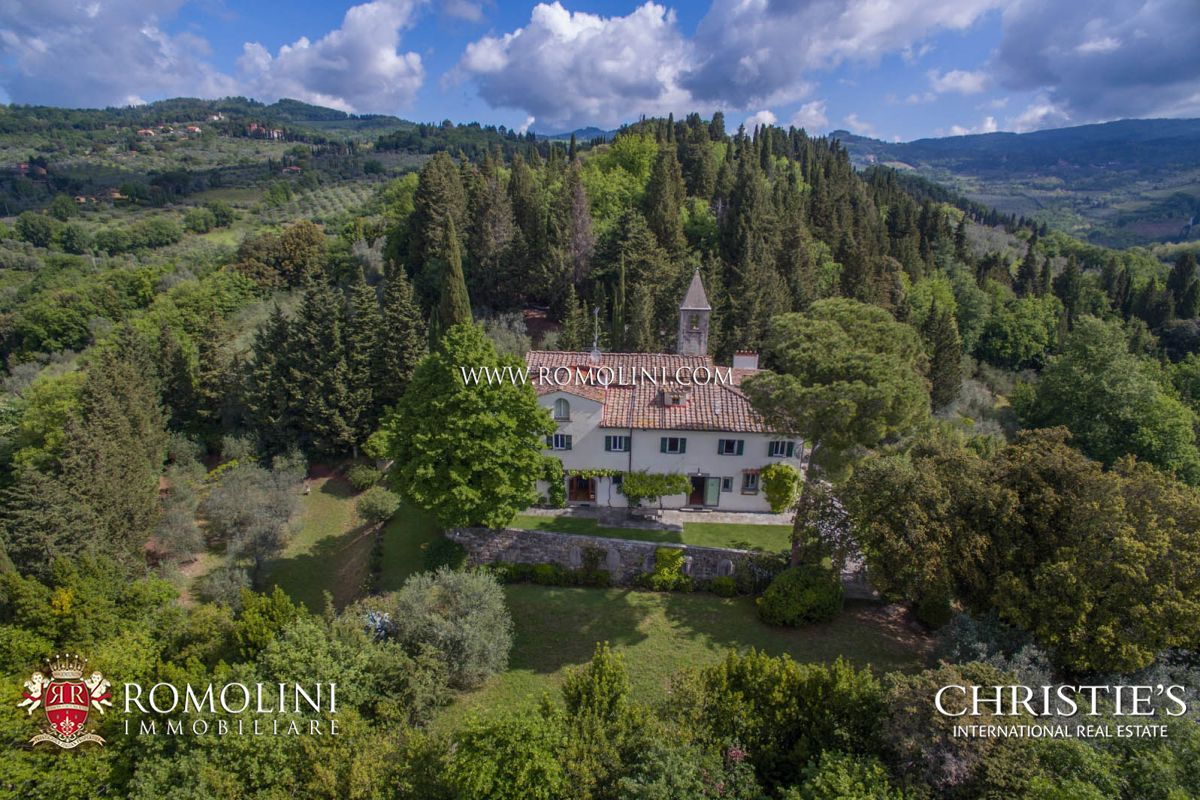 FIESOLE, CHARMING HISTORIC VILLA FOR SALE