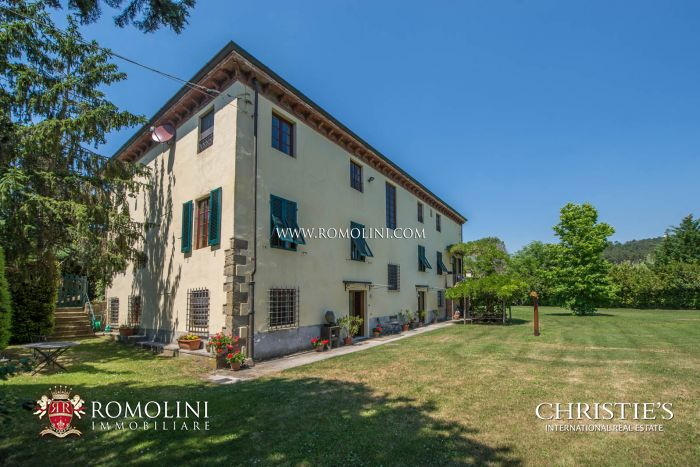 HISTORICAL VILLA WITH POOL FOR SALE LUCCA, TUSCANY