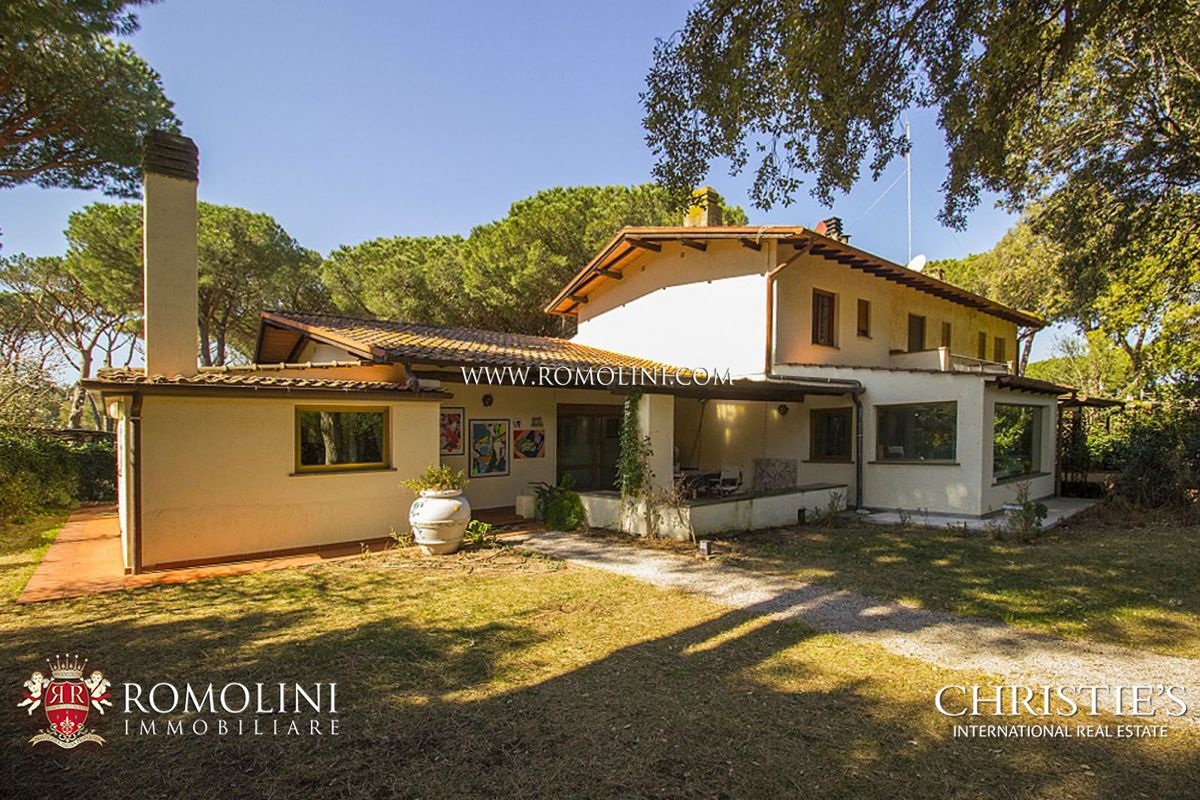 MODERN VILLA FOR SALE BY THE SEA PUNTA ALA, TUSCANY