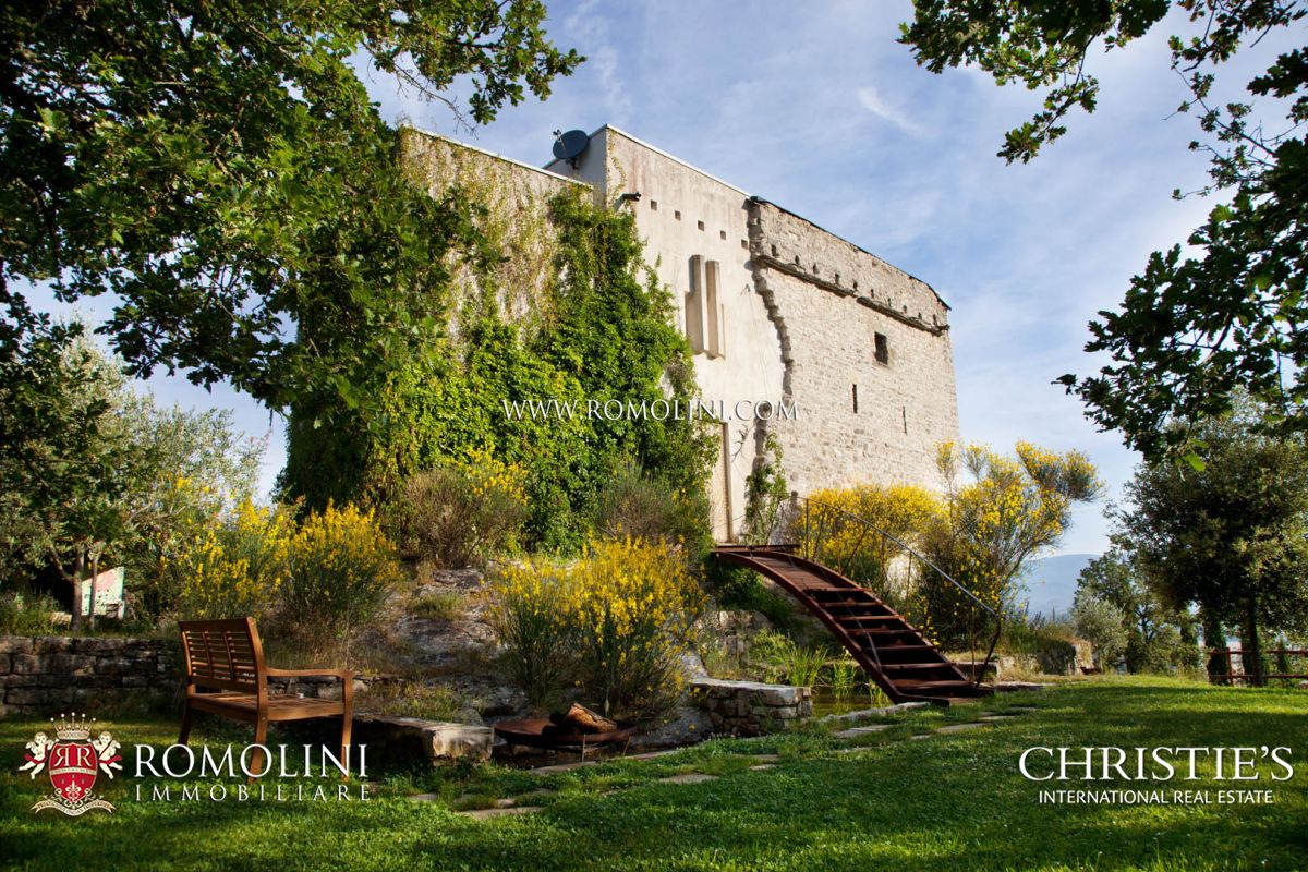 TUSCANY: MEDIEVAL WATCH TOWER WITH POOL AND LAND FOR SALE, POPPI, AREZZO, CASTLE, LUXURY VILLA, CASENTINO, PANORAMIC VIEW