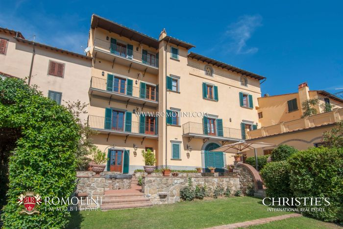 PERGINE VALDARNO: HISTORICAL BUILDING WITH PANORAMIC VIEW FOR SALE