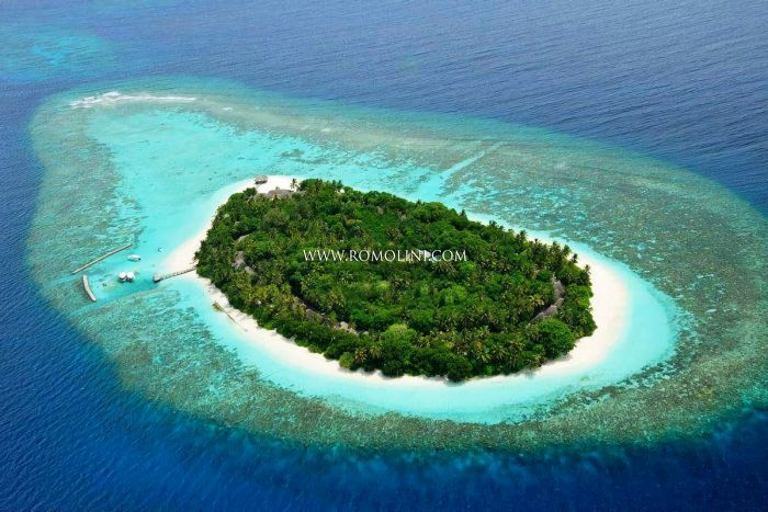 NORTH ARI ATOLL, MALDIVES: BAREFOOT HIDEAWAY RESORT AND SPA