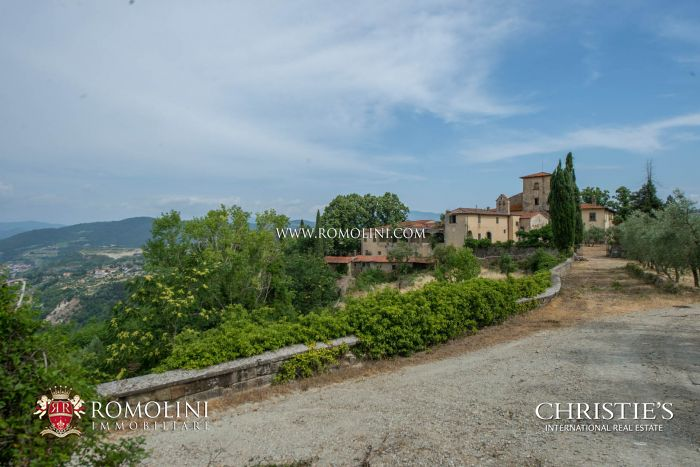 HISTORICAL ESTATE FOR SALE IN FLORENCE - CHIANTI