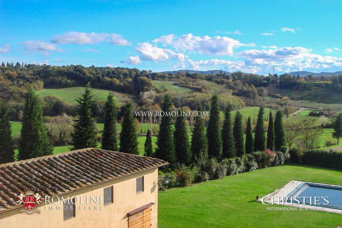 LEOPOLDINA WITH POOL FOR SALE, VALDARNO, TUSCANY