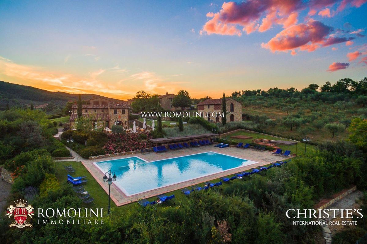CHIANTI ARETINO, 80 HA ESTATE WITH RESORT AND VINEYARD FOR SALE | Romolini - Christie's