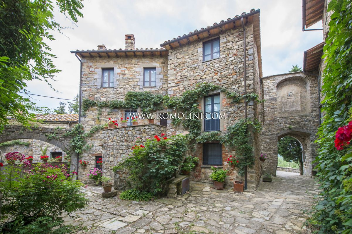 APARTMENT FOR SALE IN A SMALL MEDIEVAL HAMLET, UMBRIA | Romolini - Christie's
