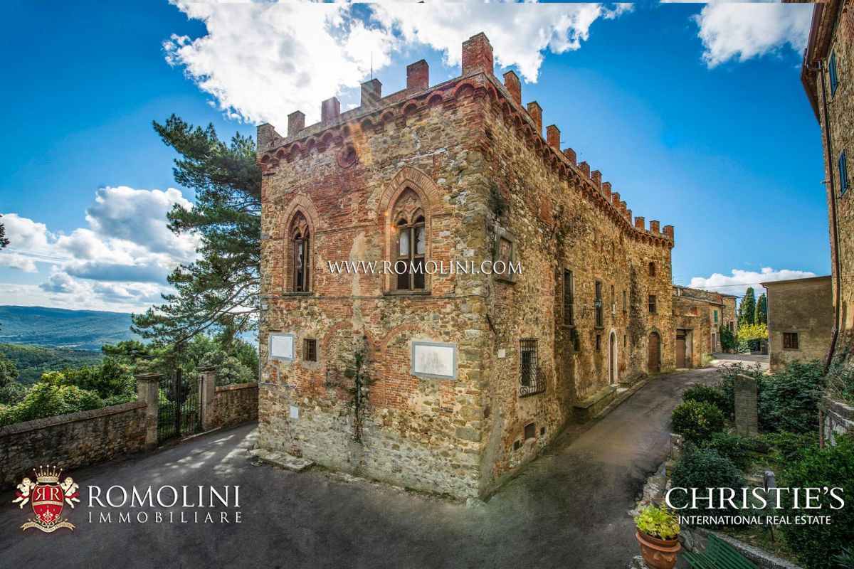 MEDIEVAL CASTLE FOR SALE BETWEEN CHIANTI AND VALDAMBRA, TUSCANY