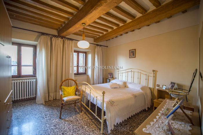 3-BEDROOM APARTMENT FOR SALE IN ANGHIARI, TUSCANY