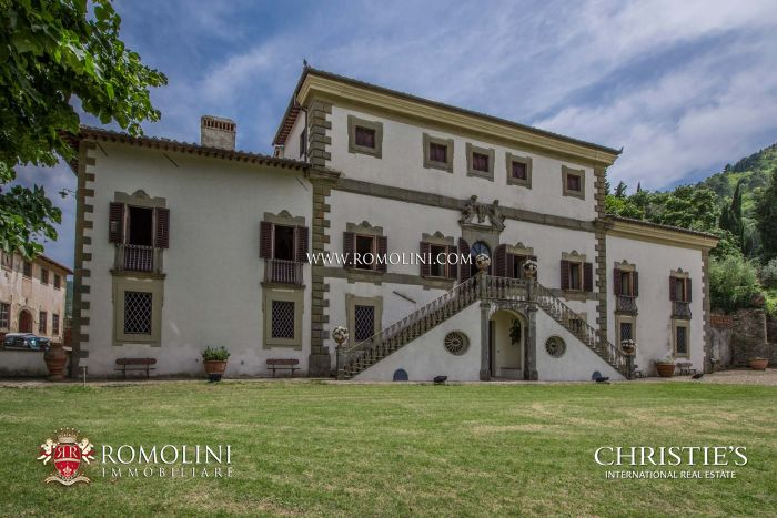 LUXURY VILLA FOR SALE IN FLORENCE, TUSCANY