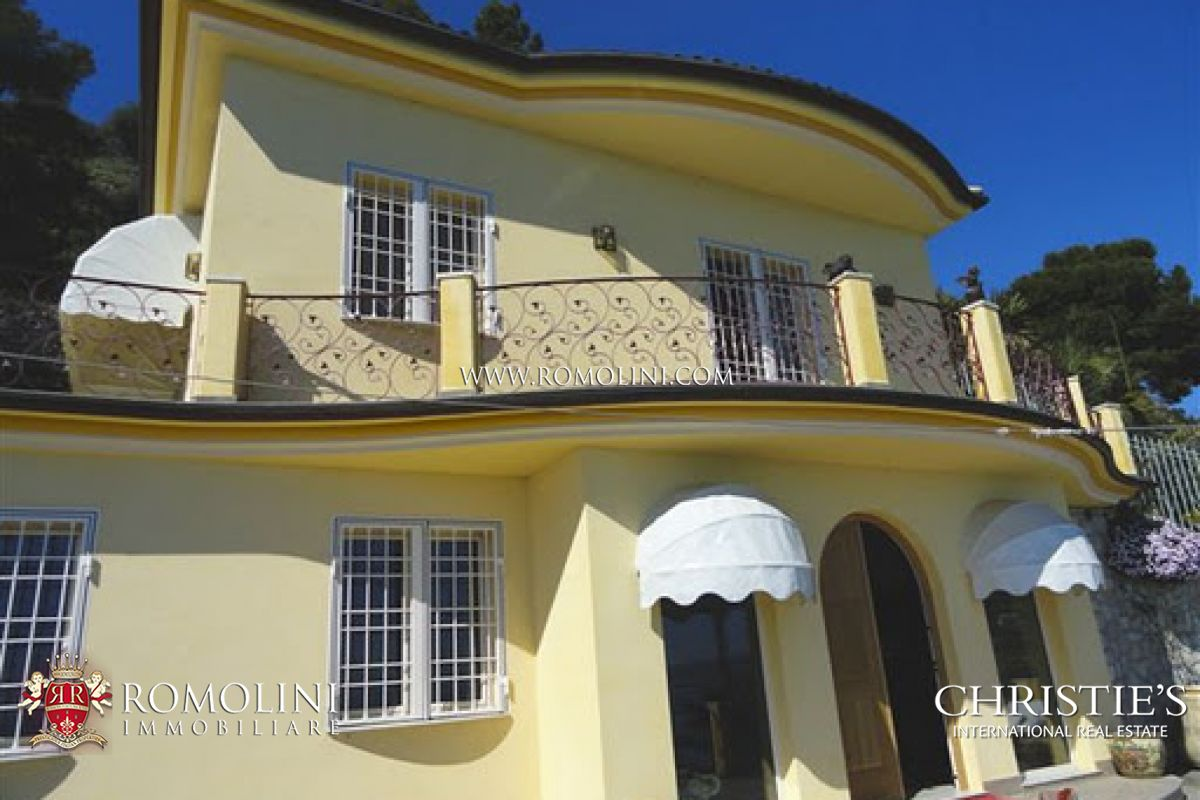 VILLA SEA VIEW FOR SALE IN LIGURIA