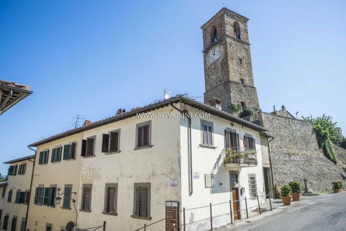 2-BEDROOM APARTMENT FOR SALE IN ANGHIARI HISTORIC CENTRE