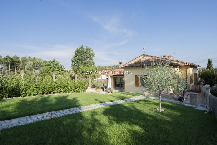HOUSE WITH GARDEN AND GARAGE FOR SALE IN ANGHIARI