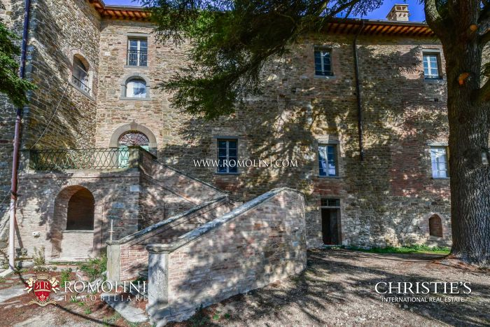 ITALIAN CASTLE FOR SALE IN PERUGIA, UMBRIA