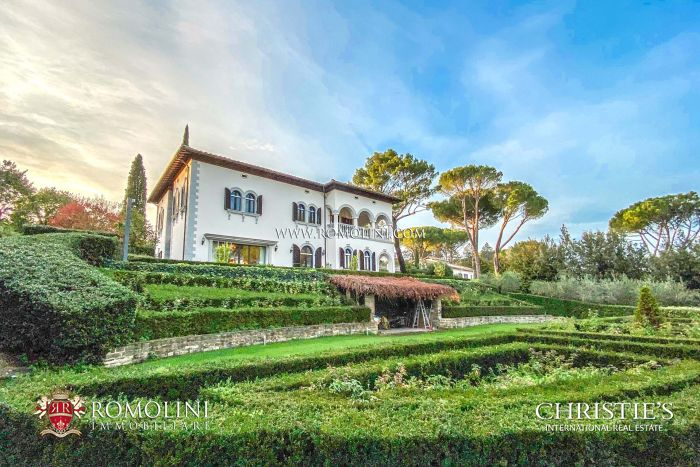 LUXURY RESTORED VILLA FOR SALE IN FLORENCE, BELLOSGUARDO, near the International school